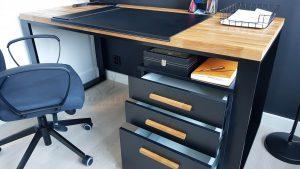 biurko industrialne z szufladami