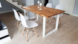biały stół
