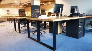 biurko wstylu loft