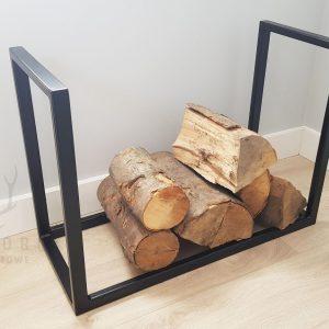 metalowy stojak na drewno