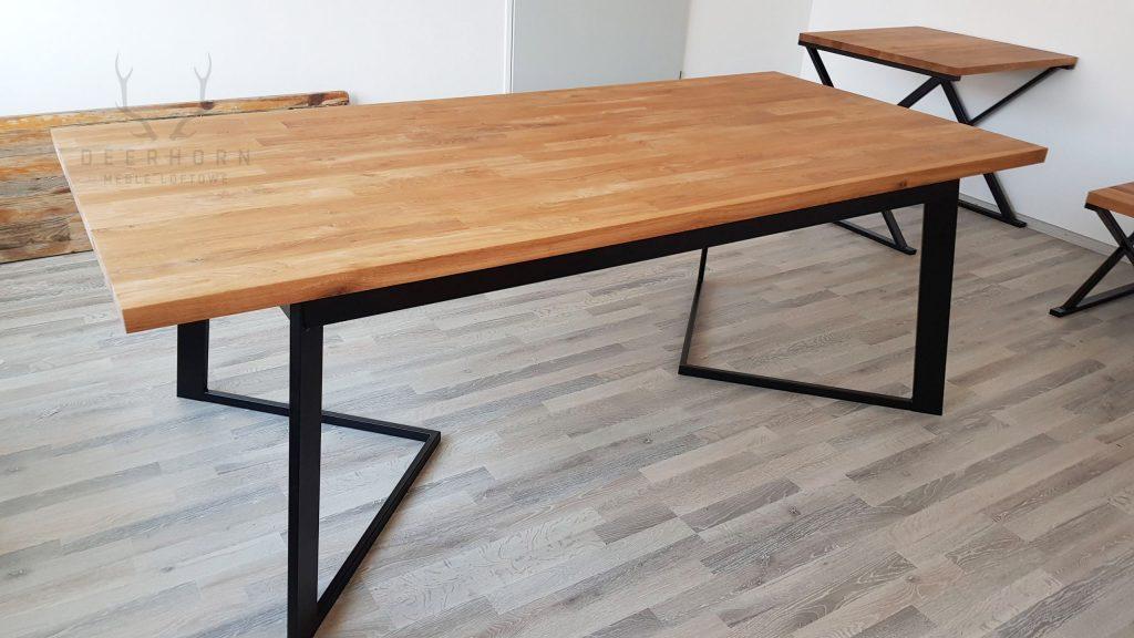stół zdębowym blatem
