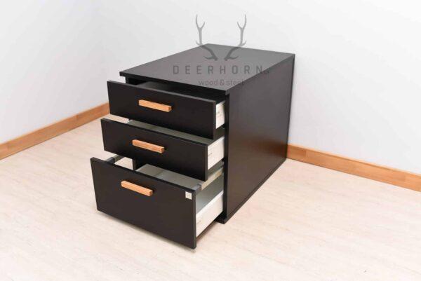 czarny kontenerek z szufladami