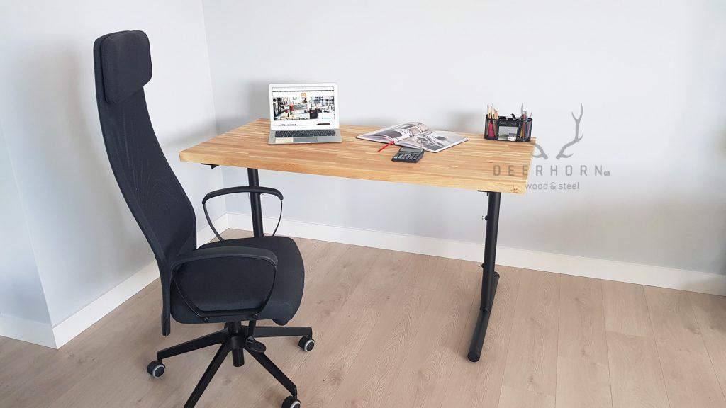 biurko zmanualną regulacją wysokości