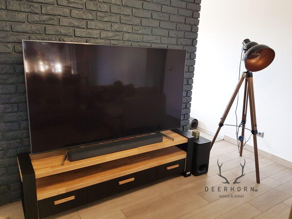 szafka pod telewizor z drewna i metalu