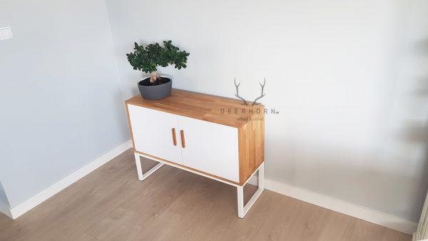 biuro w białym kolorze