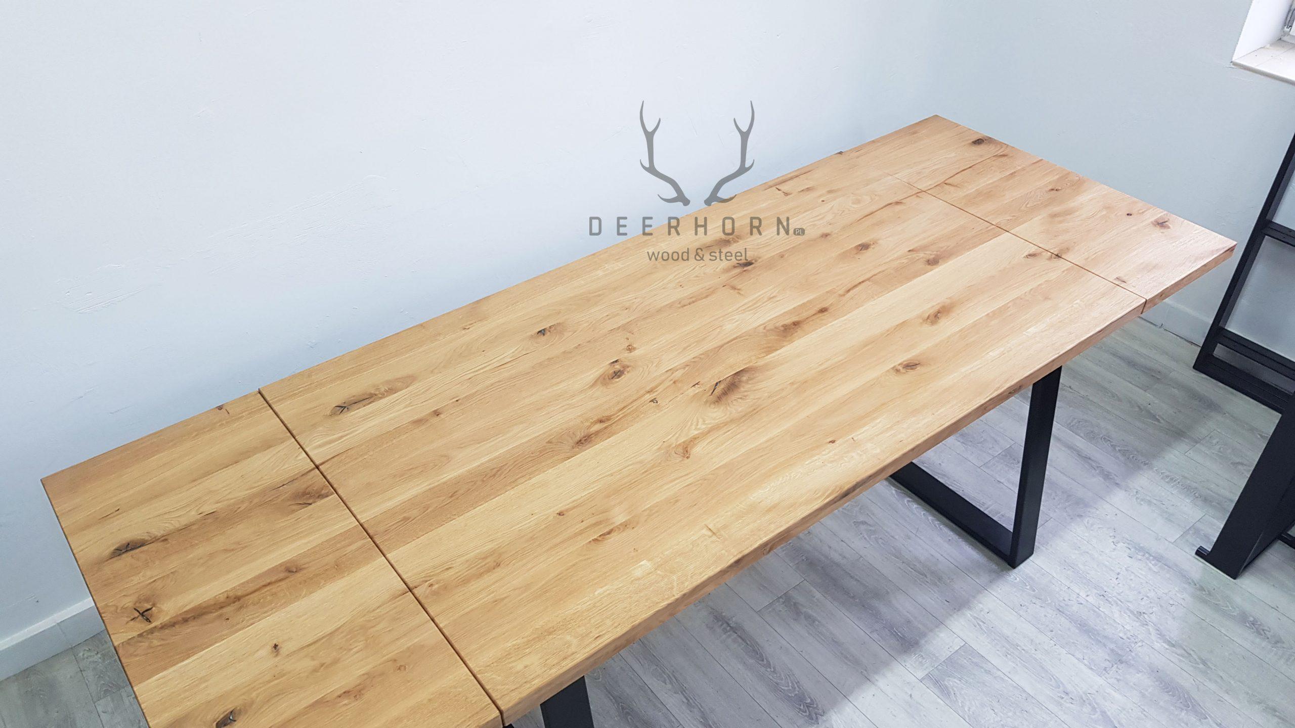 stół z sękami