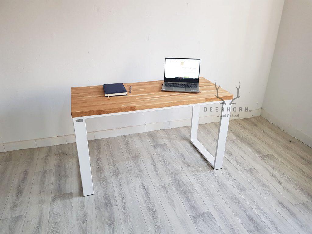 małe biurko z w stylu loft