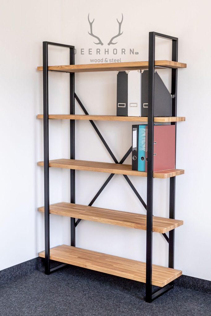 regał z półkami na książki