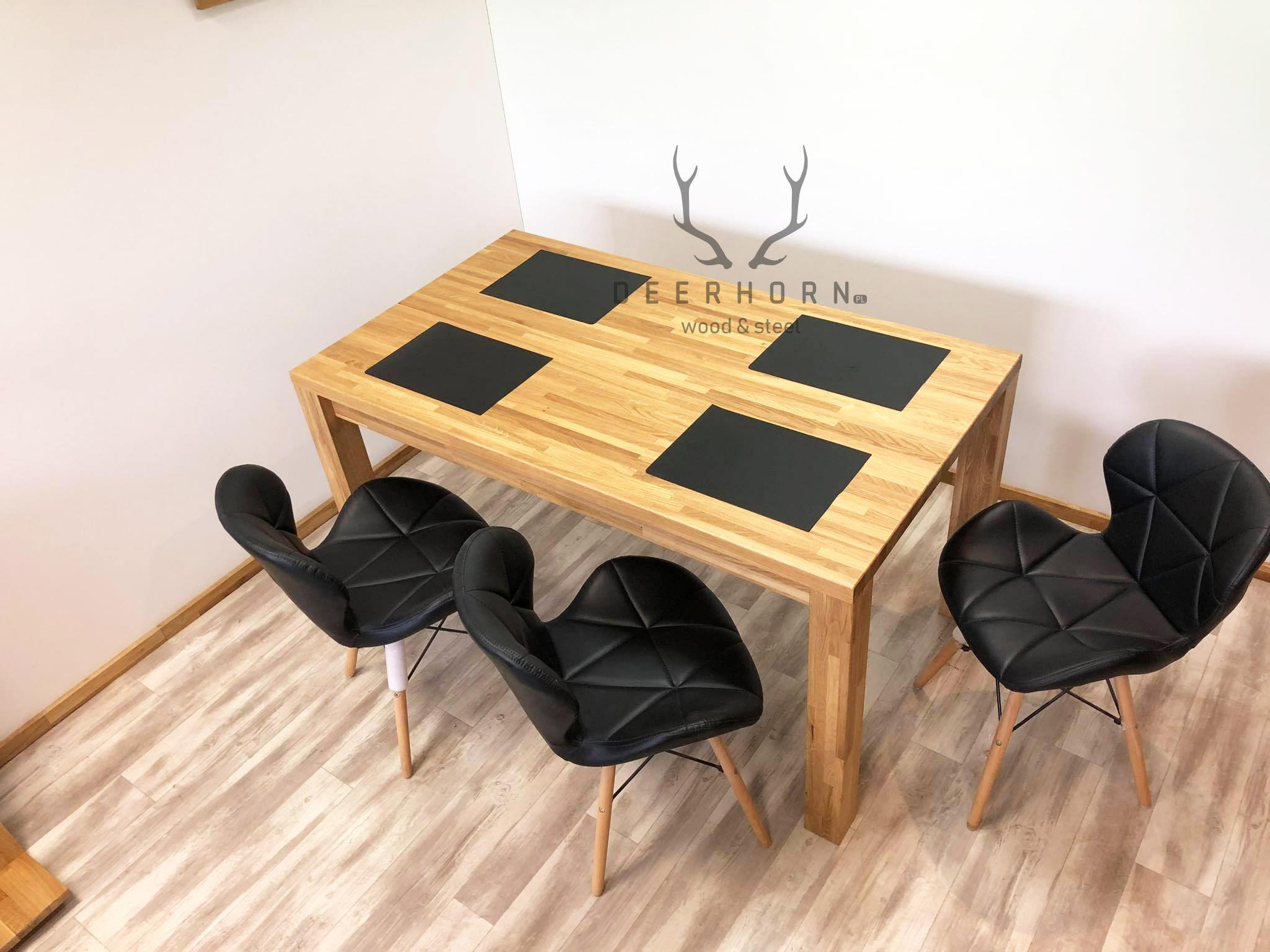 modny drewniany stół