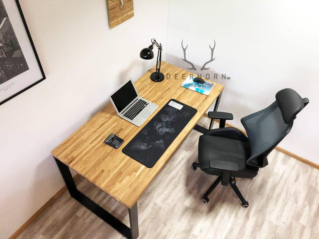 biurko loftowe zdrewnianym blatem