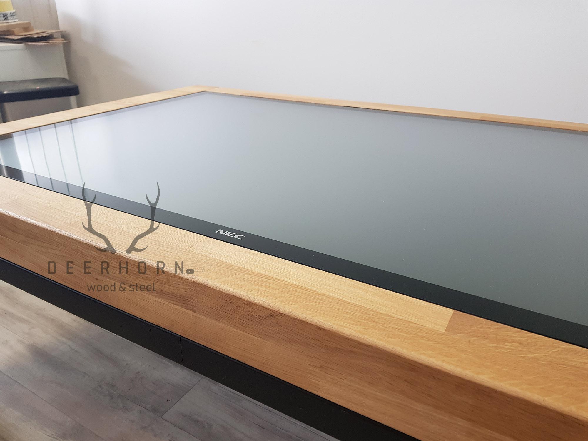 inteligenty stolik kawowy z monitorem