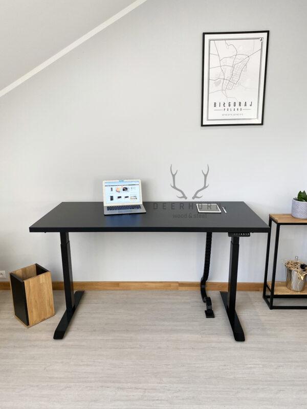 biurko z regulowaną wysokością