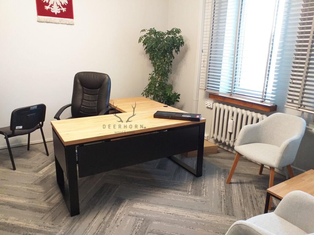 biurko narożne drewniane