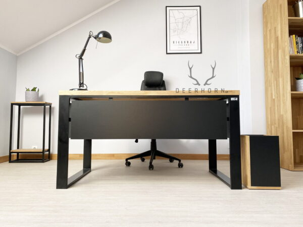 biurko z blendą