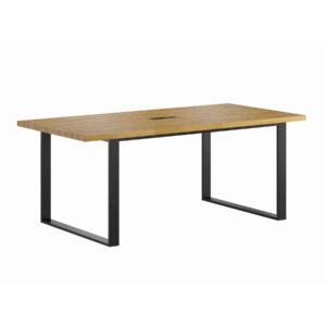 stoł konferencyjny zdrewnianym blatem