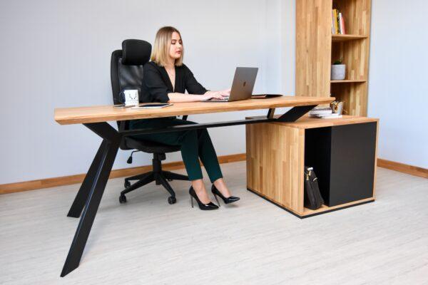 biurko inne niż wszystkie