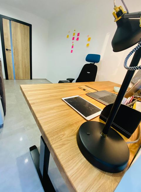 biurko regulowane elektronicznie