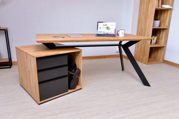biurko z podciętym blatem