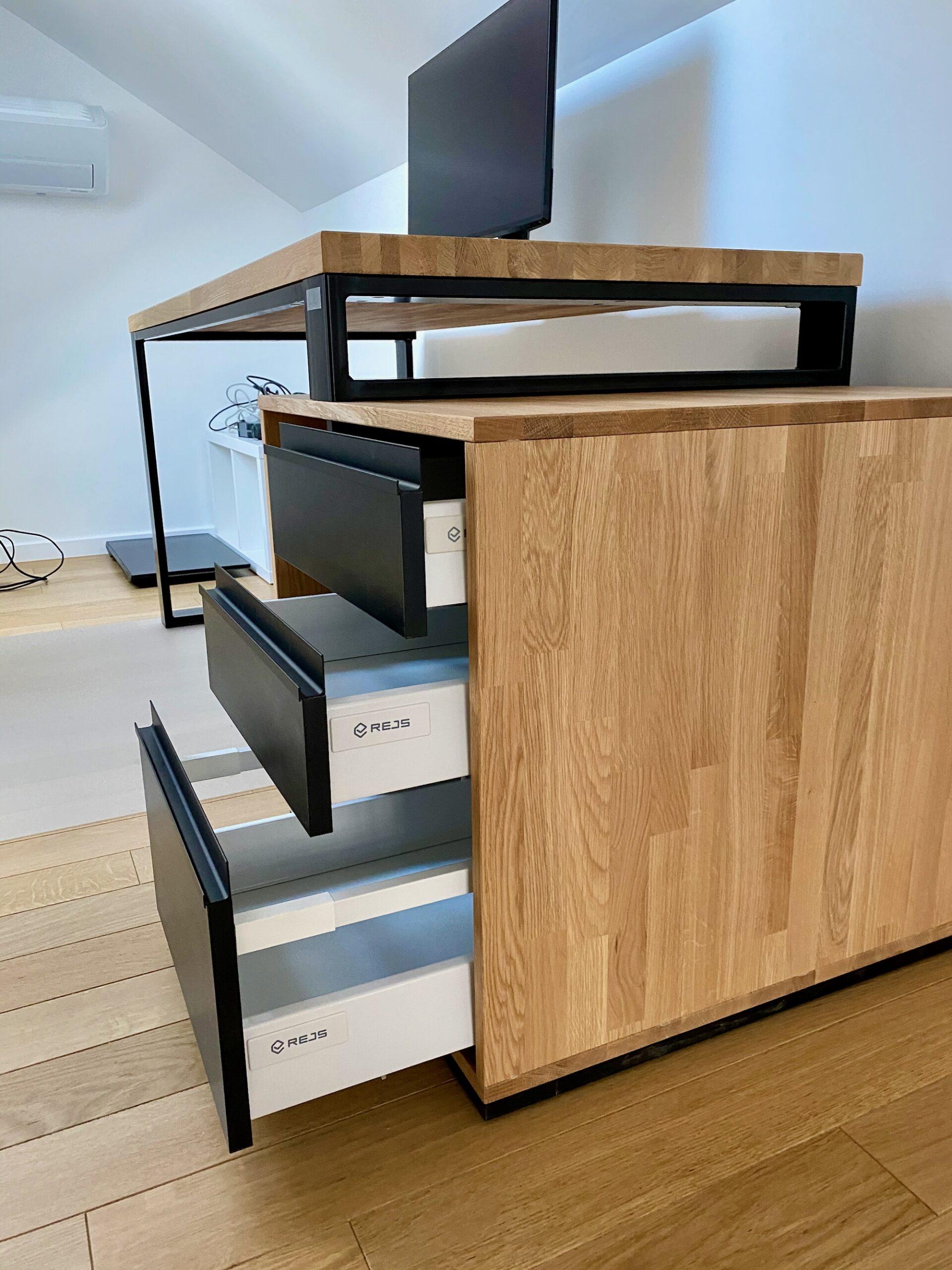 biurko loftowe zszufladami