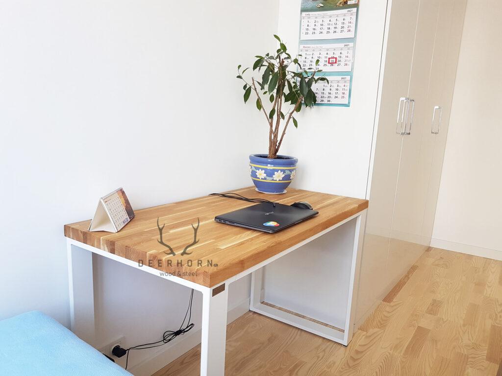 małe biurko dosypialni