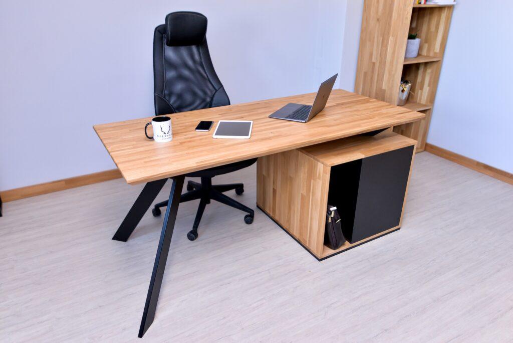 małe biurko loftowe