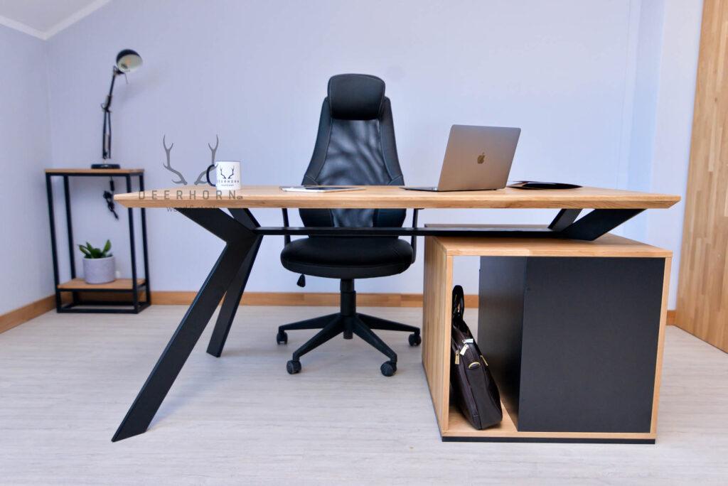 biurko zszufladami