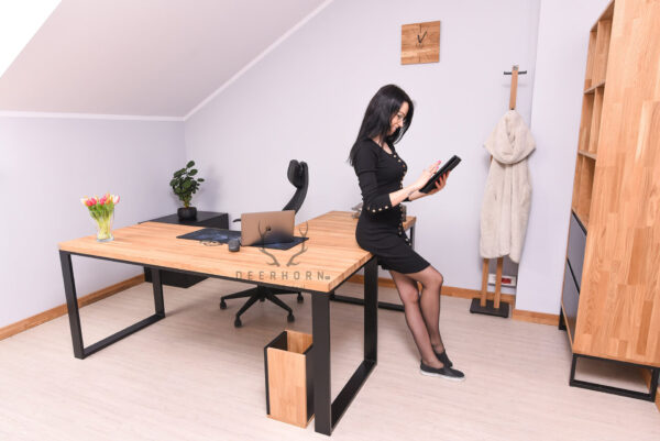 biurko narożne z dębowym blatem