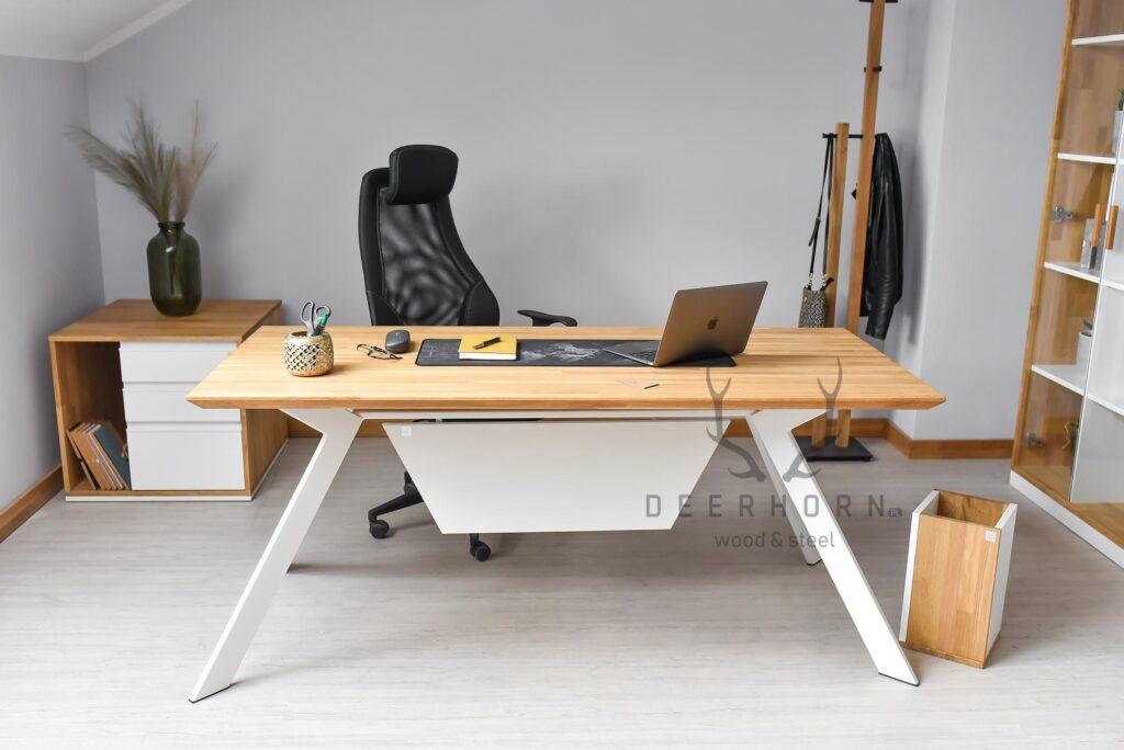 biurko wkolorze białym
