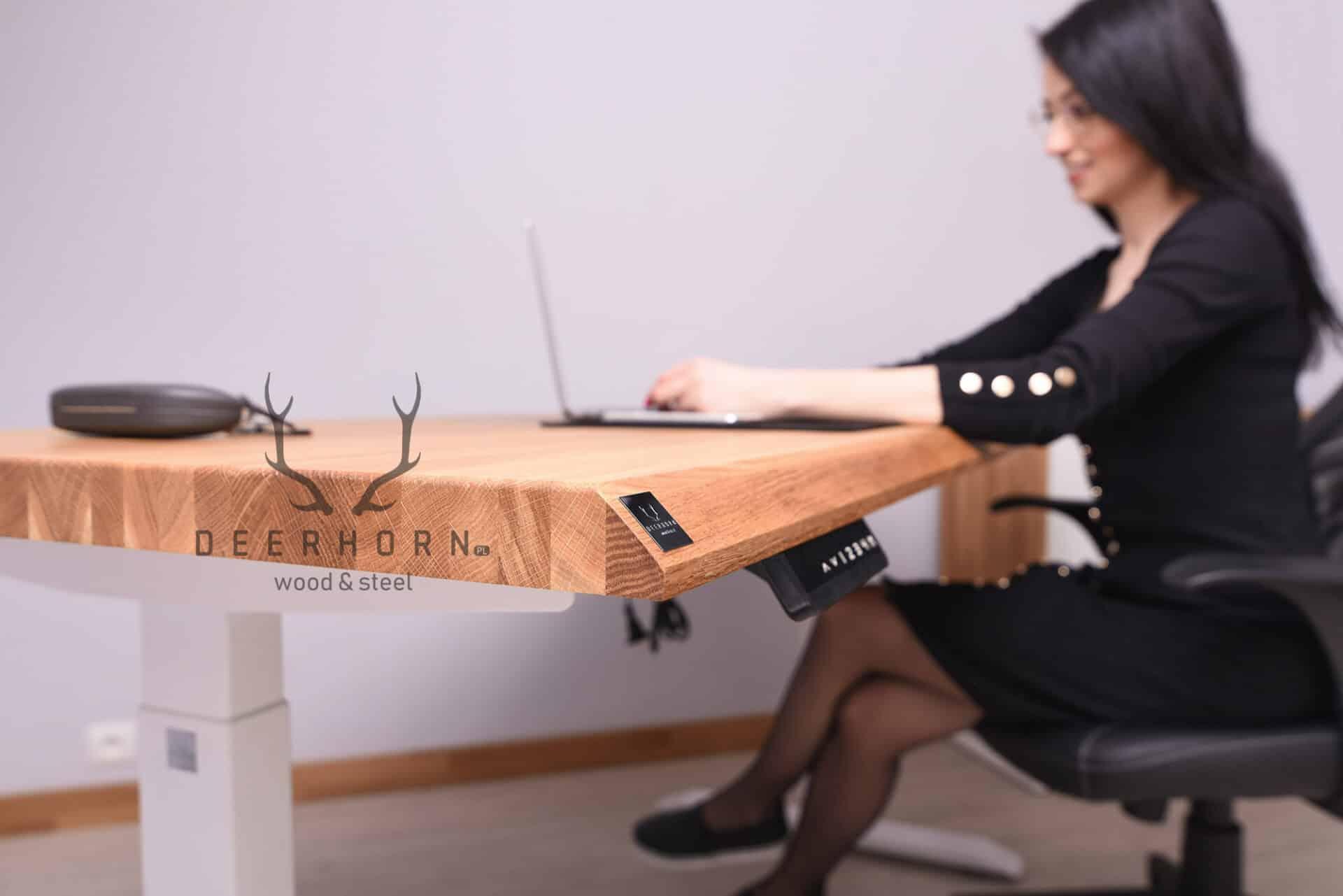 ergonomiczne biurko kobiece