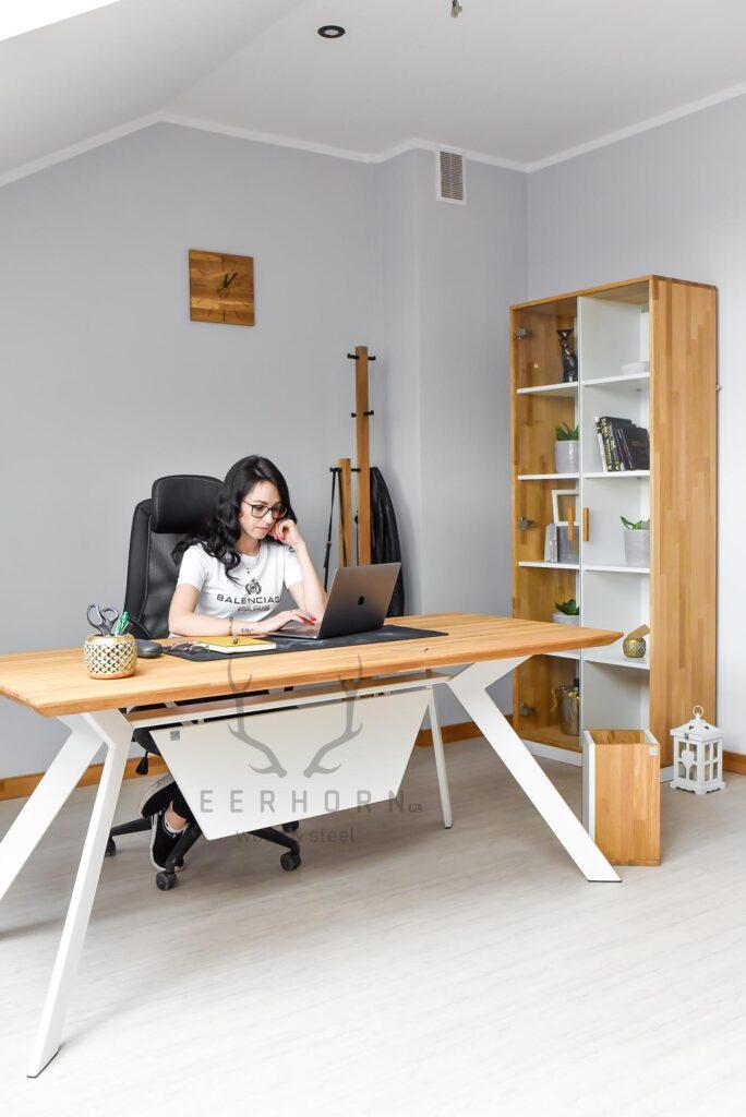 kobiece biurko loftowe