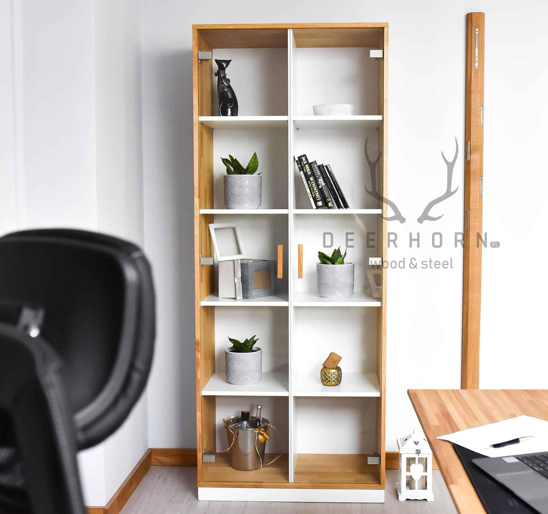 loftowa witryna ze szkła i drewna
