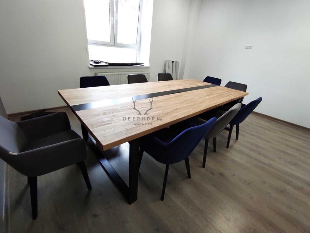 loftowy stół konferencyjny