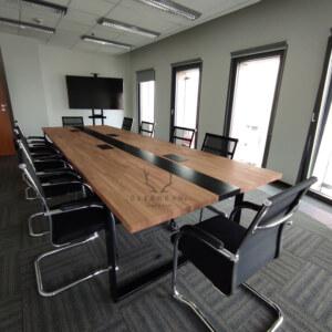 stół dosali konferencyjnej