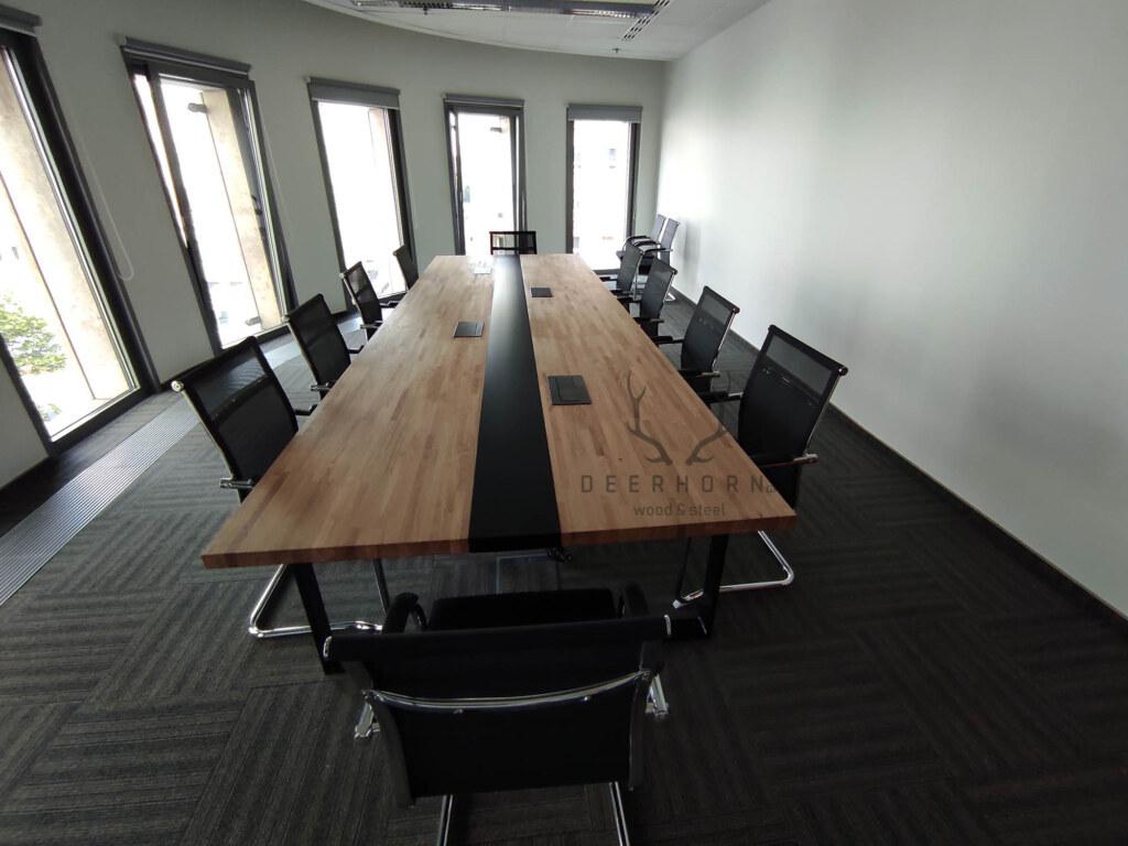 multimedialny stół konferencyjny