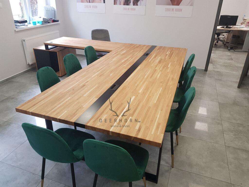 stół konferencyjny na metalowych nogach