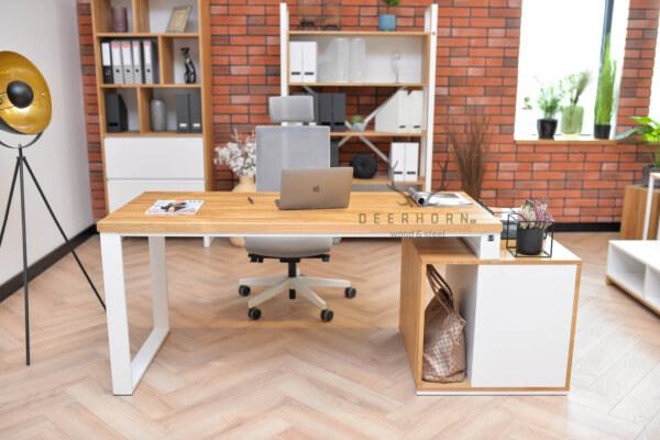 biurko białe z drewnianym blatem