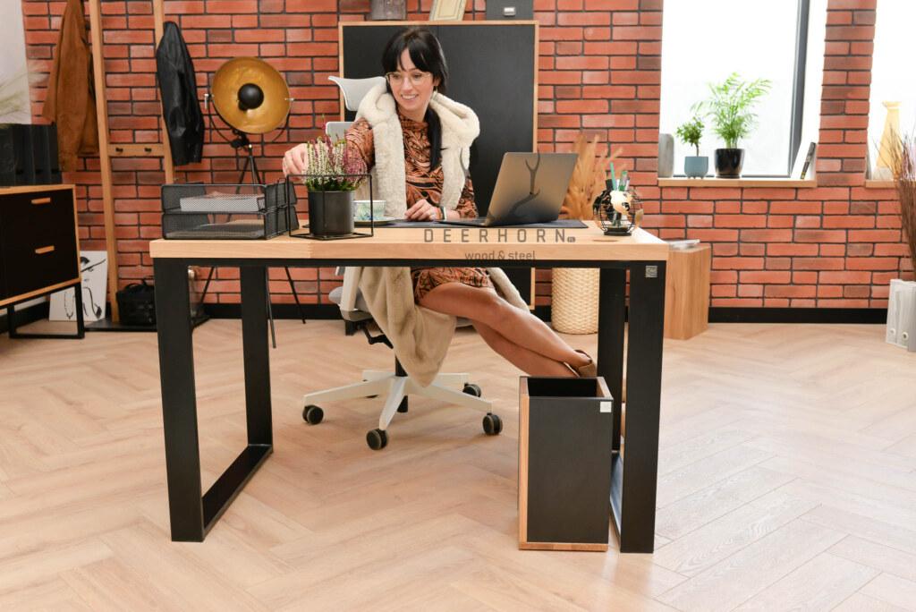biurko dla uczennicy