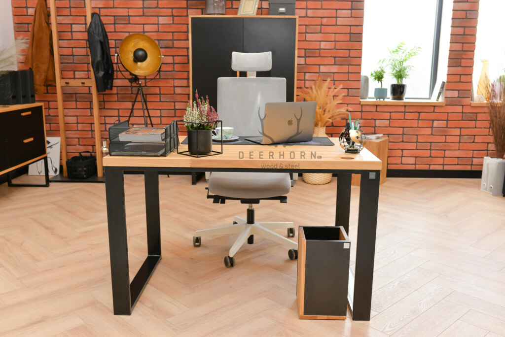 solidne biurko komputerowe